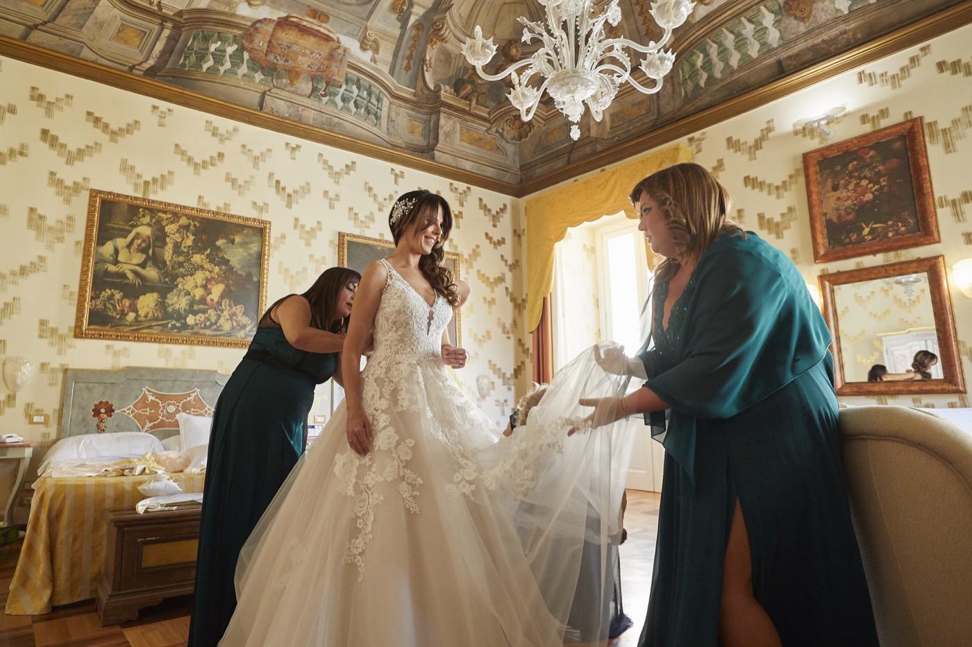 Claudio-Coppola-wedding-photographer-la-scuderia-eventi-preparativi-la-rosetta-perugia-19