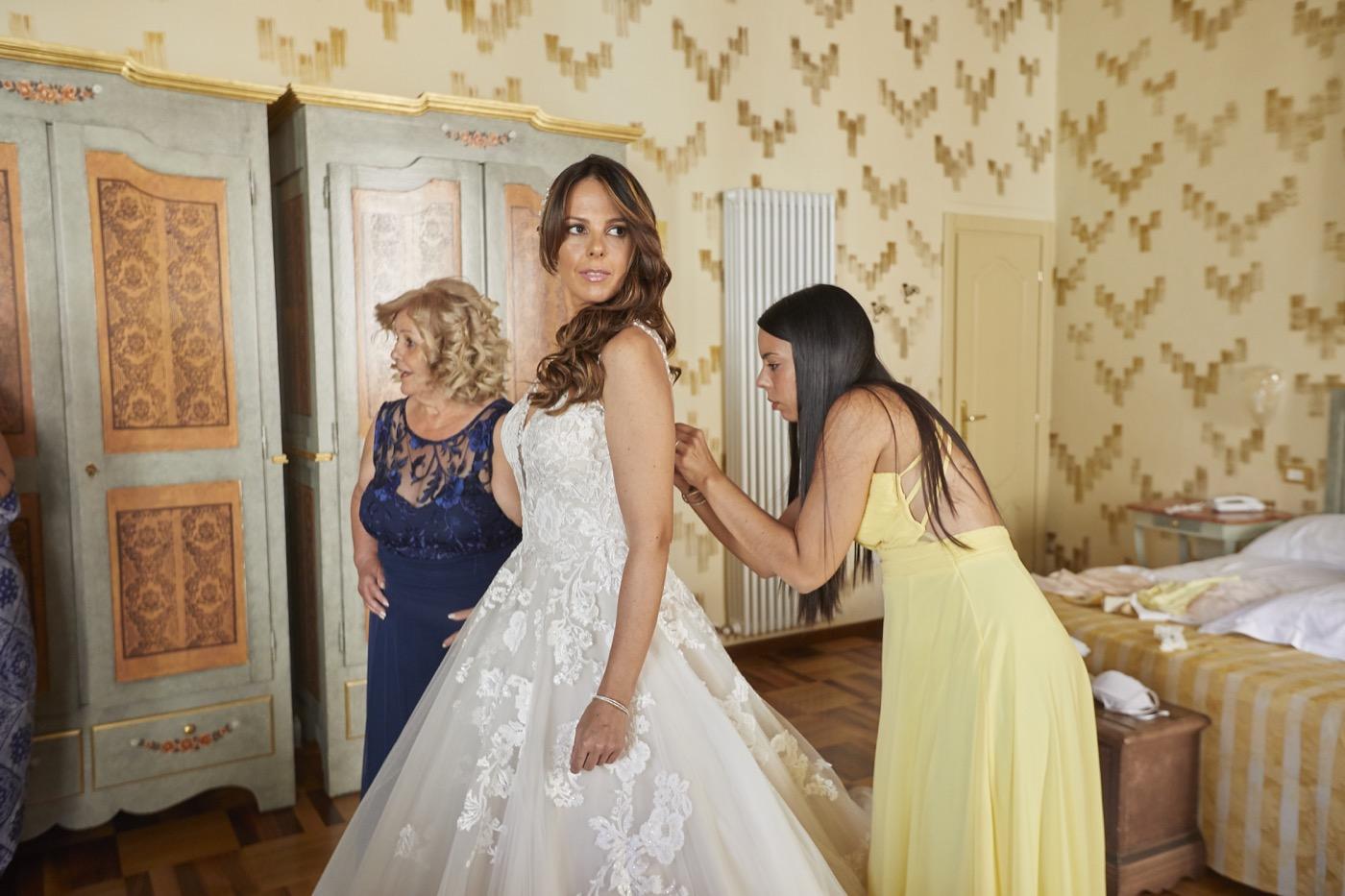 Claudio-Coppola-wedding-photographer-la-scuderia-eventi-preparativi-la-rosetta-perugia-20