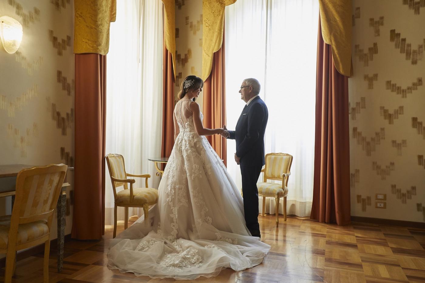 Claudio-Coppola-wedding-photographer-la-scuderia-eventi-preparativi-la-rosetta-perugia-25