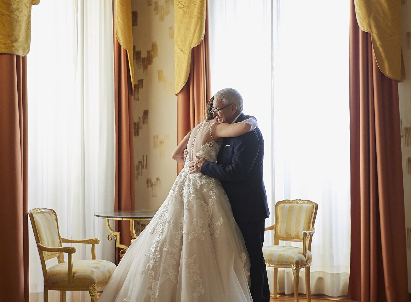Claudio-Coppola-wedding-photographer-la-scuderia-eventi-preparativi-la-rosetta-perugia-26
