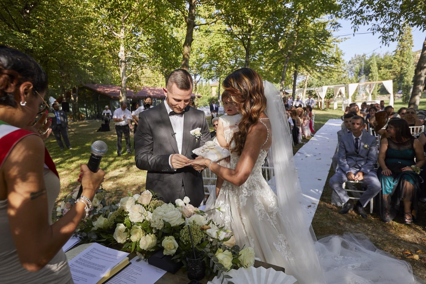 Claudio-Coppola-wedding-photographer-la-scuderia-eventi-preparativi-la-rosetta-perugia-58