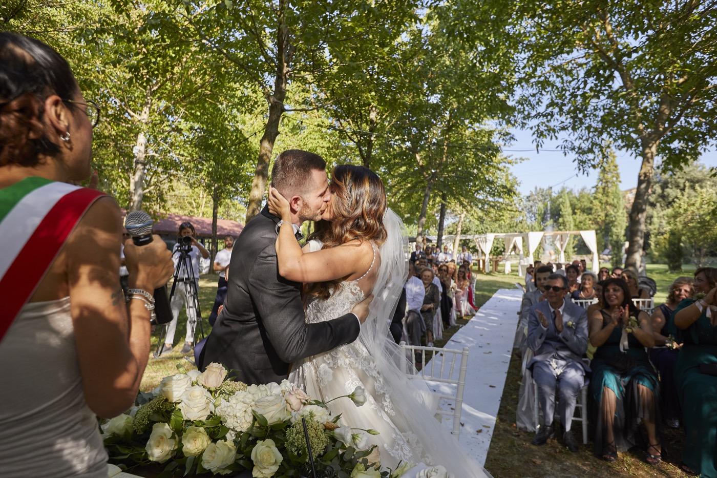 Claudio-Coppola-wedding-photographer-la-scuderia-eventi-preparativi-la-rosetta-perugia-60